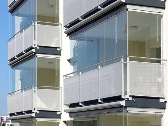 Verande amovibili installate in un condominio a Monza