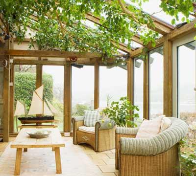 Progetto di una veranda moderna in legno a Como