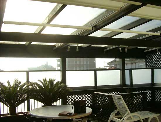 Veranda terrazzo a Bergamo con struttura in alluminio