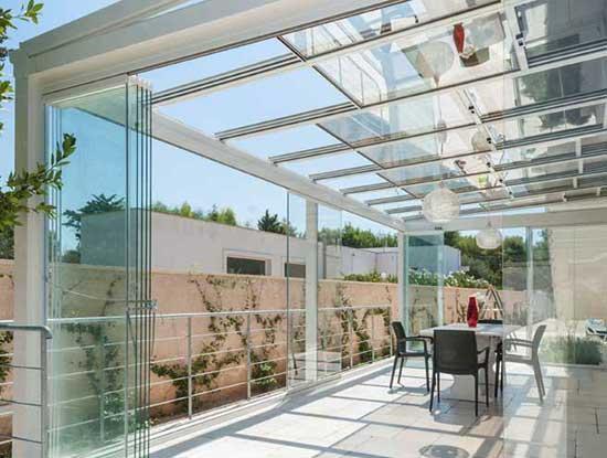 Veranda terrazzo a Lecco con struttura in alluminio