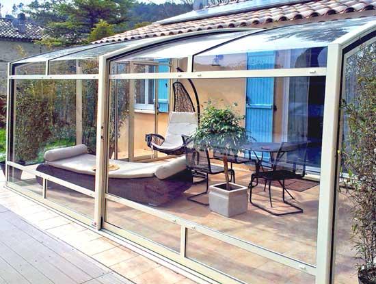 Veranda terrazzo a Monza con struttura profili in alluminio