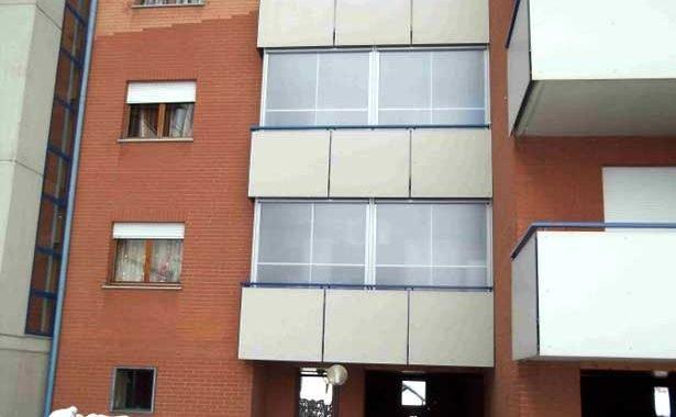 Chiusure balconi in condominio foto esempio